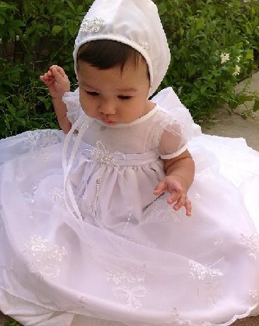 b467077ca Baptism Clothing, Christening Gowns, Baptism Dresses & Suits Canada